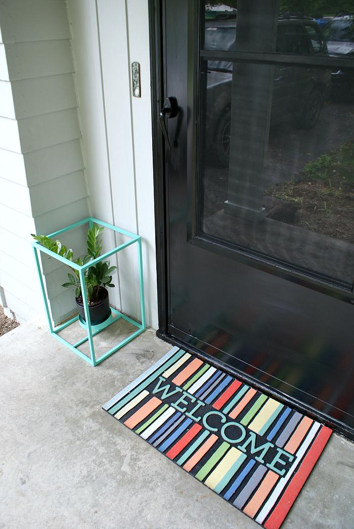 screen door painted with Rustoleum